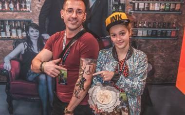 Oliwka miała siedem lat, gdy wykonała pierwszy tatuaż. Dzisiaj jedenastolatka z powodzeniem podbija festiwale, na których spotykają się najlepsi z najlepszych,