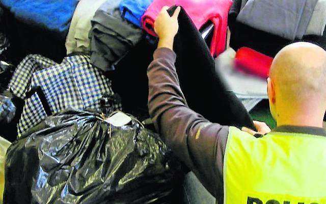 4b9f0bf792 Bułgarzy handlowali podrabianą odzieżą w Tarnobrzegu