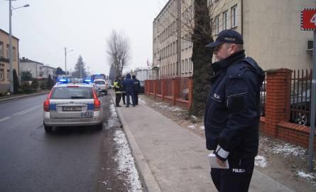 Alarm bombowy w Urzędzie Skarbowym w Radomsku. 100 osób ewakuowanych