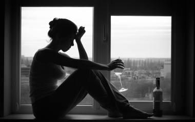W Polsce liczba samobójstw zakończonych śmiercią wzrosła z ponad 4 tys. w 2012 r. do blisko 5,3 tys. w 2017 roku