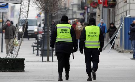 Pijani nastolatkowie znalezieni przy Węglowej w Pabianicach