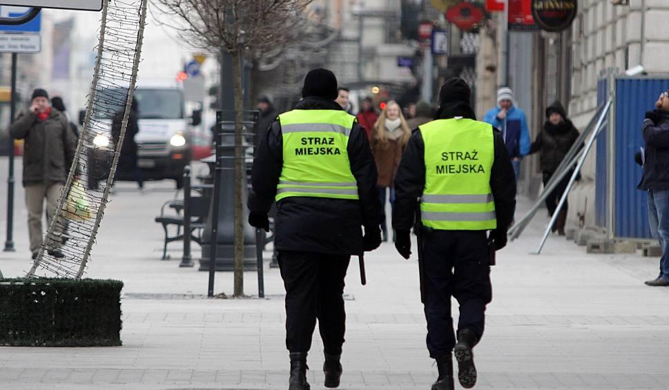 Film do artykułu: Pijani nastolatkowie znalezieni przy Węglowej w Pabianicach