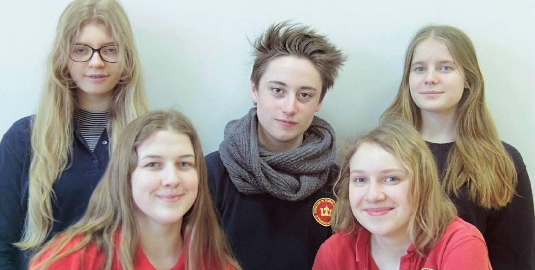 Martyna, Borys, Natalia (powyżej), Ola i Natalia, czyli Agencja Filmowa Nie Ma Co Się Smucić. Uczniowie mają już pomysły i plany, które chcą wspólnie