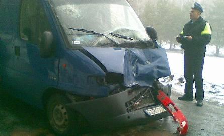 Wypadek. Autobus grudziądzkiego MZK zderzył się z busem. Rannych zabrało pogotowie