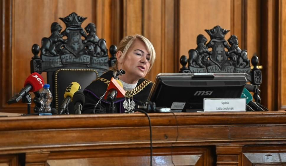Film do artykułu: Wyrok w sprawie Amber Gold: Marcin i Katarzyna P. winni. Odczytywanie wyroku może potrwać wiele dni