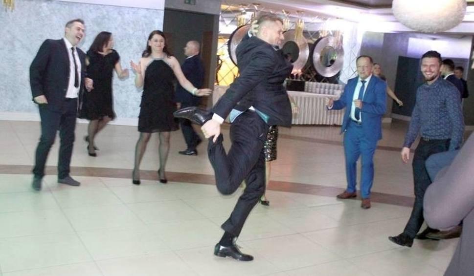 Film do artykułu: Plebiscyt Sportowca Echa Dnia. Pyszne jedzenie, popisy taneczne i szampańska zabawa. Kulisy wideo piątkowego balu!