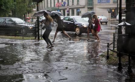 Małopolska. Uwaga, intensywne opady i gwałtowne burze!