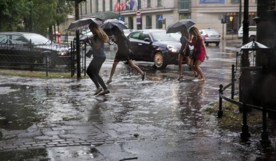 Film do artykułu: Małopolska. Uwaga, intensywne opady i gwałtowne burze!