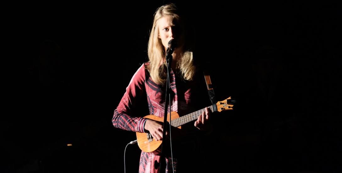 A podczas Festiwalu pod Gwiazdami wystąpiła w Toruniu śpiewająca aktorka Julia Pietrucha