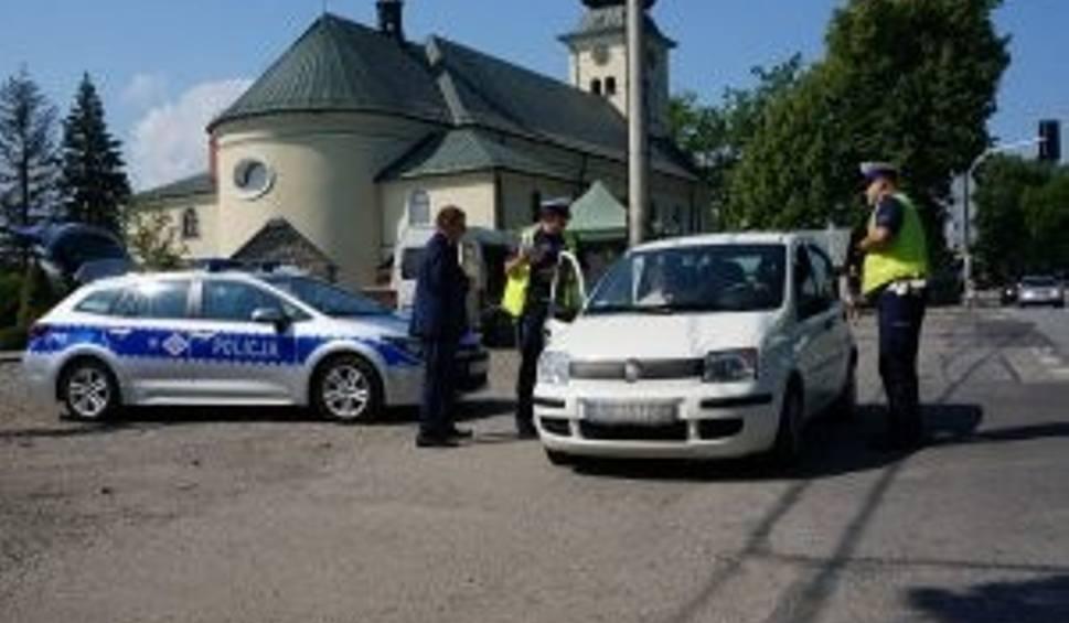 Film do artykułu: Niecodzienny patrol na ulicach Bielska-Białej. Policjanci i przedstawiciele Caritasu apelowali o bezpieczną jazdę