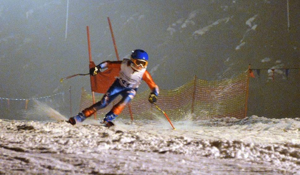 Film do artykułu: Zawody narciarsko-snowboardowe na Stadionie w Kielcach. Rywalizowały dzieci i dorośli