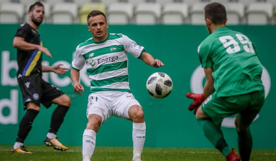 Film do artykułu: Lechia Gdańsk zagra na 10-lecie KP Starogard Gdański. Lider Lotto Ekstraklasy w sobotę wystąpi na Kociewiu