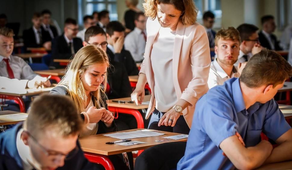 Film do artykułu: Matura 2019 - harmonogram egzaminów. Kalendarz egzaminów maturalnych 2019 [12.05.2019]