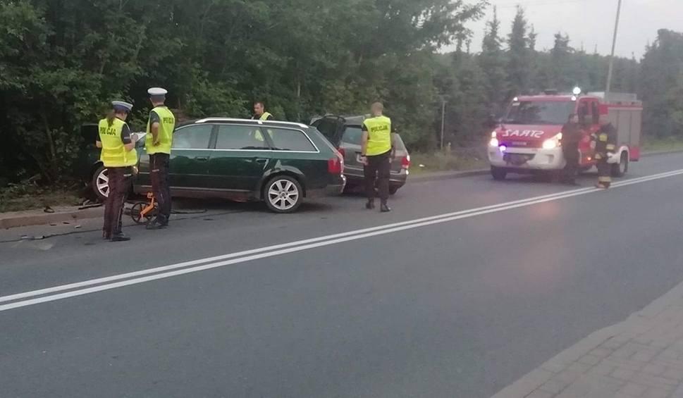 Film do artykułu: STRZELCE KRAJEŃSKIE. Pijany kierowca staranował inne auto. Do wypadku doszło we wsi Ługi