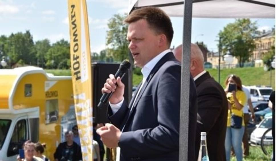 Film do artykułu: Wybory prezydenckie 2020. Szymon Hołownia w Tczewie: To państwo stoi na głowie. [Zdjęcia]