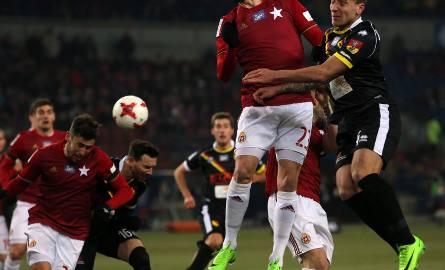 """Wisła - Jagiellonia 3-1: """"Biała Gwiazda"""" pewnie pokonała wicelidera. Ramirez ograł Probierza"""