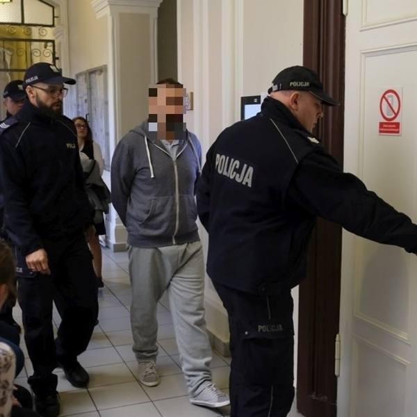 50-letni Krzysztof Ś. zamordował żonę nożem, w mieszkaniu przy ul. Chełmińskiej w Grudziądzu. Dziś (18.09) wstrząsające zeznania złożyła ich synowa.
