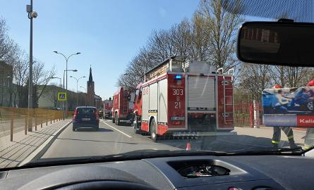 Alarm na Wierzbowej w Białymstoku. Dzieci znalazły pojemnik z nieznaną substancją