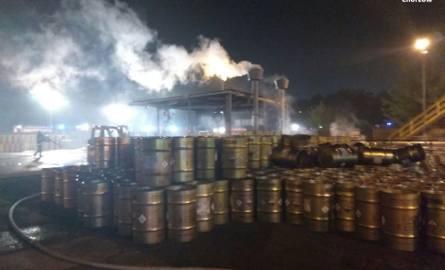 Na terenie firmy Italmatch Polska Ddoszło do rozszczelnienia i zapalenia się beczki z żółtym fosforem.