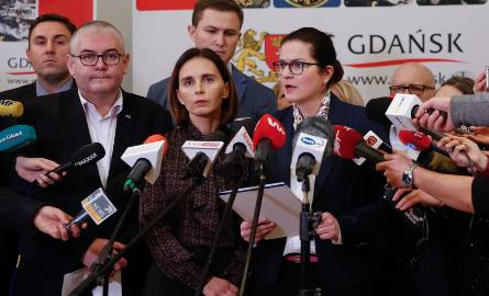 Na zdjęciu od lewej: Piotr Borawski, Piotr Kowalczuk, Magdalena Skorupka-Kaczmarek Piotr Grzelak i Aleksandra Dulkiewicz