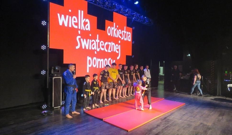 Film do artykułu: WOŚP 2019 w Policach. Turniej piłkarski oraz inne atrakcje [ZDJĘCIA, WIDEO]