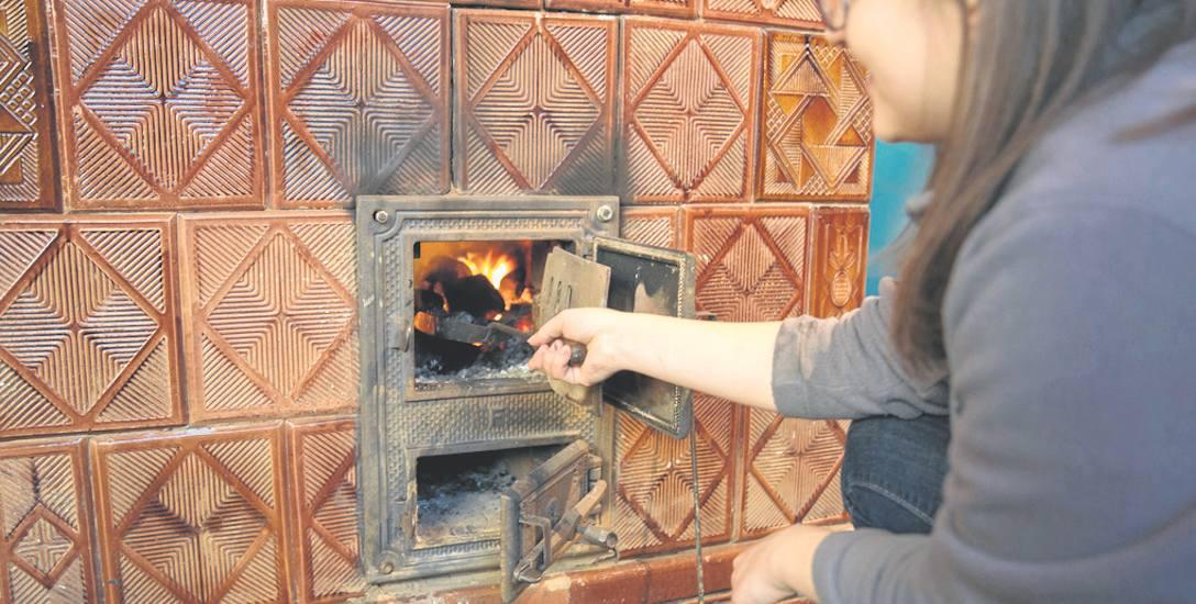 W Białogardzie jeszcze sporo mieszkań w starych kamienicach ogrzewanych jest węglem, w wielu znajdują się nawet stare piece kaflowe