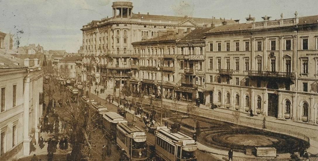 Hotel Bristol w perspektywie Krakowskiego Przedmieścia, 1910 rok