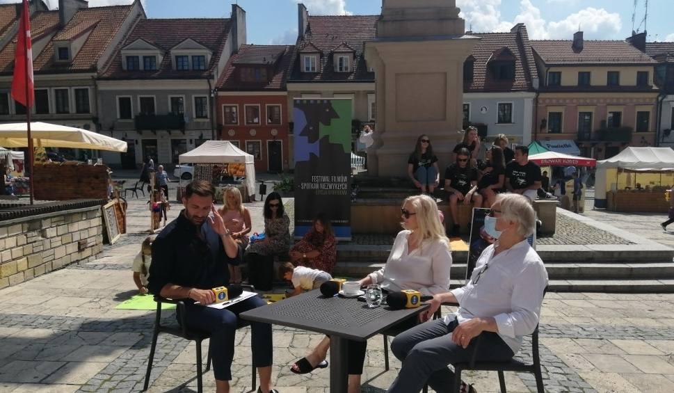 Film do artykułu: Dzień Dobry TVN  prosto z rynku w Sandomierzu. W głównej roli państwo Seweryn (WIDEO i ZDJĘCIA)