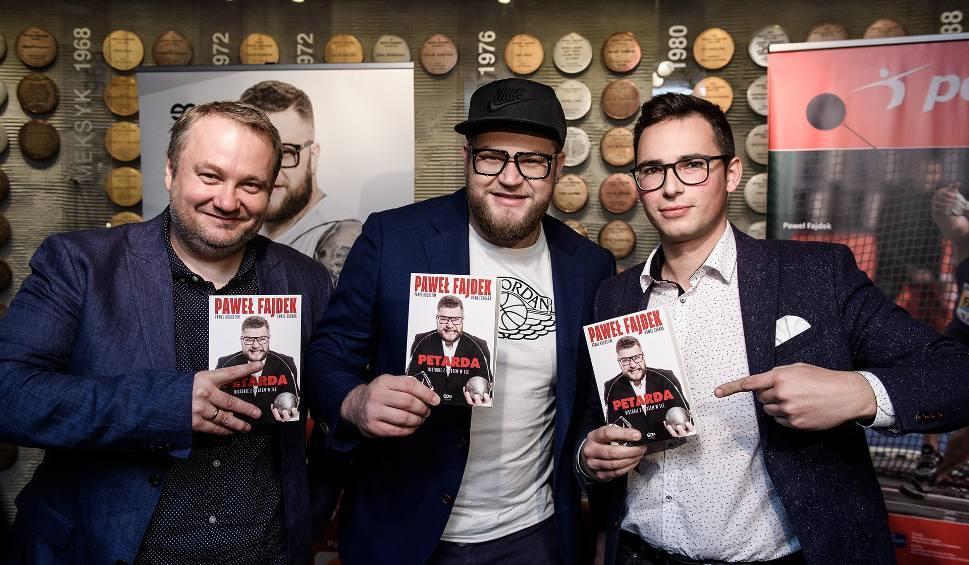 Film do artykułu: Mistrz świata będzie promował swoją książkę w Bydgoszczy. Przyjdź na spotkanie z Pawłem Fajdkiem!