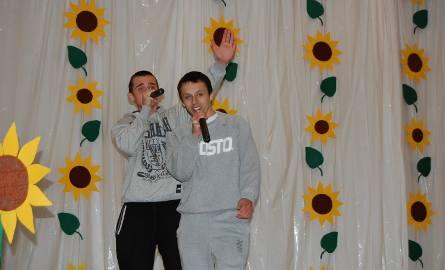 Tak się bawią muzyką zdobywcy II miejsca w kategorii wokalnej i muzycznej Jakub Sęk i Marcin Górecki reprezentanci z HP Gorzów Wlkp