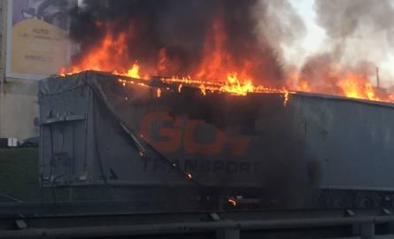 Katowice: S 86 pożar naczepy, 15 października 2018