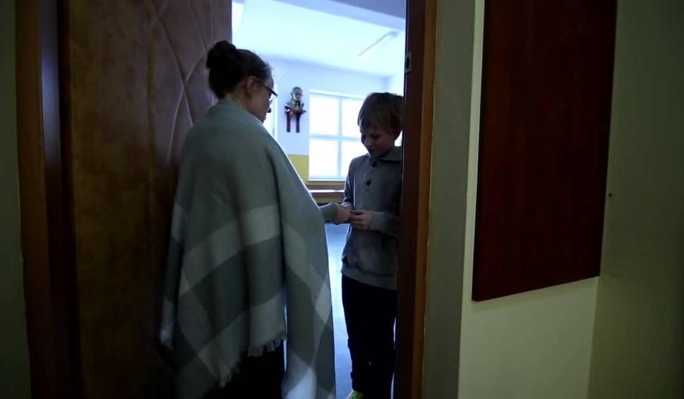 Film do artykułu: Uczniowie z Masłowa przestrzegali dziadków przed oszustami. Zobacz film