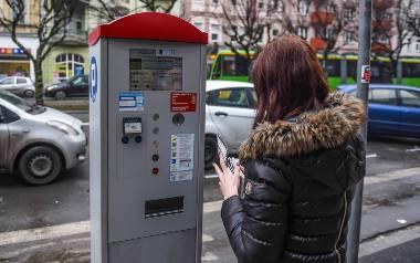 Czy w Poznaniu powinny wzrosnąć nawet do 9 zł za godzinę stawki za parkowanie w centrum? [DWUGŁOS]