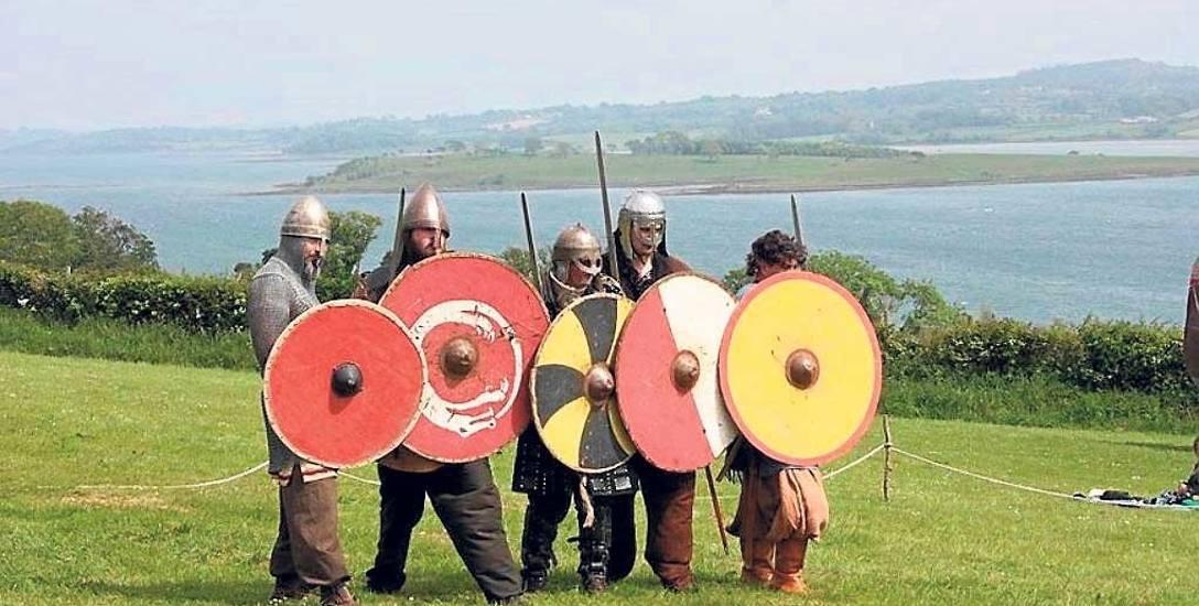 Wikingowie w pełnym bojowym rynsztunku od lat prezentują się na wyspie Wolin