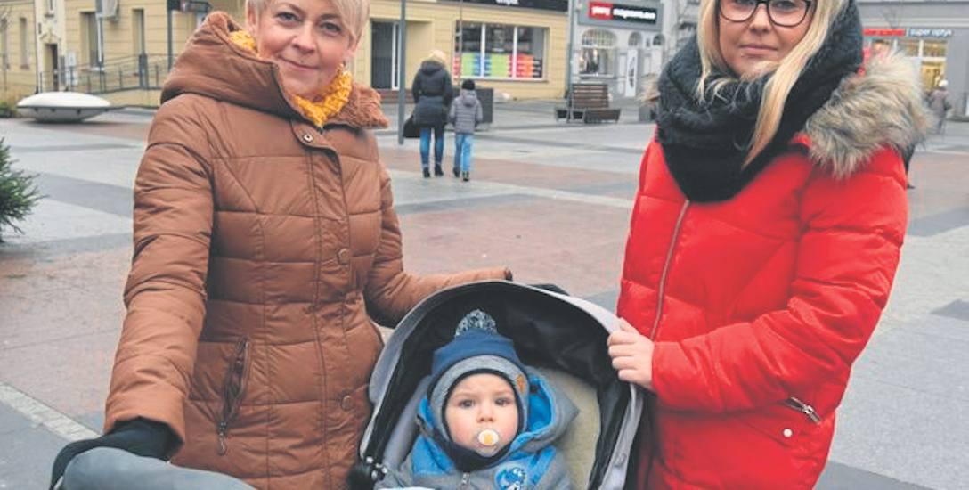 Mały Alan ze Szczecinka z babcią Arianą i mamą Sandrą Janusz urodził się za wcześnie, aby otrzymać miejskie becikowe