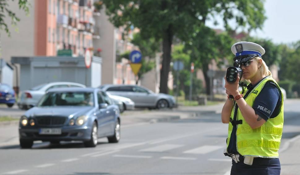 Film do artykułu: KOSTRZYN NAD ODRĄ. Policyjne kontrole na ulicach miasta. Mieszkańcy skarżyli się na piratów, przyjechała drogówka