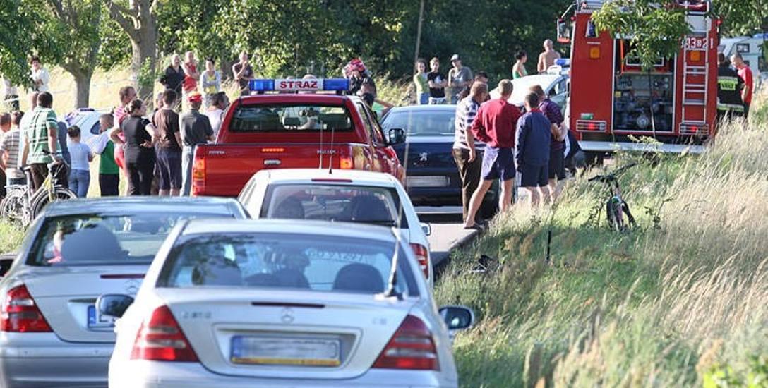 Prawie 10 lat temu na drodze z Dębiny do Bałamątka pod Ustką w wypadku samochodowym zginęły cztery osoby. Do dzisiaj nie ma prawomocnych ustaleń sądu