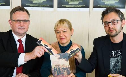 Do badań profilaktycznych zachęcają (od lewej): Maciej Olesinski, Jolanta Gadek i dr Piotr Skalij