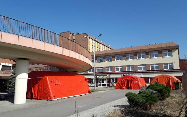 W Górnośląskim Centrum Medycznym w Ochojcu powstaje polowa izba przyjęć. Będzie się składać z 9 kontenerów