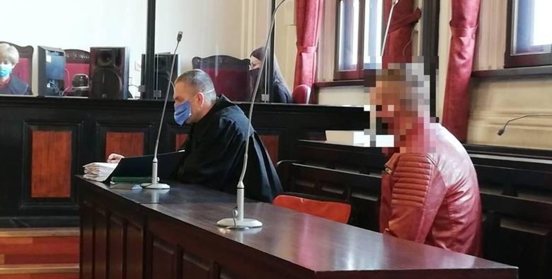 W bydgoskim sądzie trwa kolejny proces w sprawie usiłowania zabójstwa w 2017 roku w mieszkaniu przy ul. Garbary. Oskarżony to Maciej M.