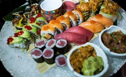 Zamawiający sushi online w pierwszym kwartale 2019 roku średnio za rolkę płacili 25,23 zł, a za zestaw 67,16 zł.