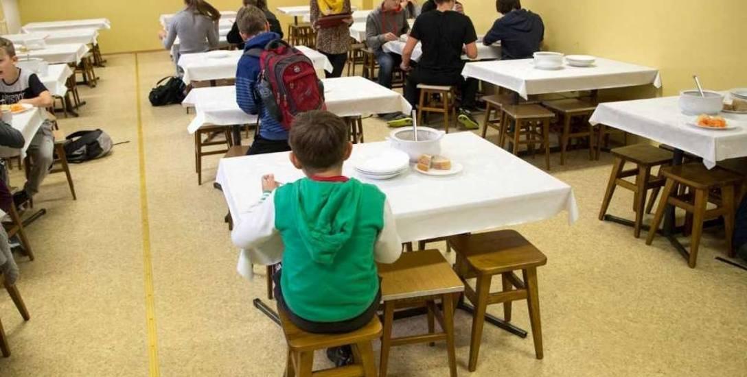 Wszystkie poznańskie podstawówki mają stołówki, ale tylko w nielicznych funkcjonują szkolne kuchnie