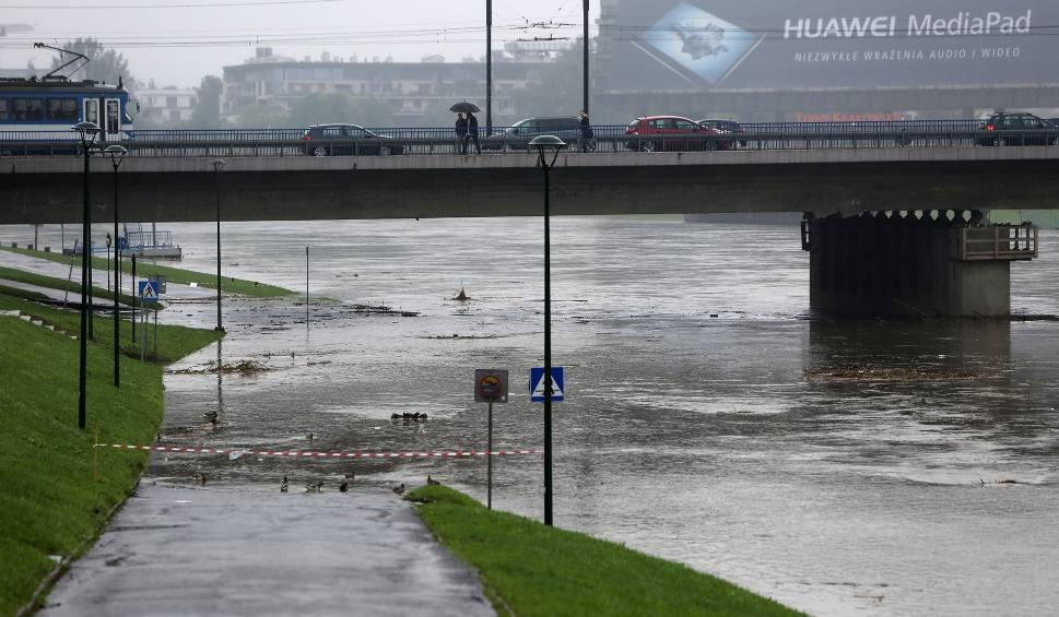 Film do artykułu: Małopolska. Sytuacja powodziowa jest ustabilizowana