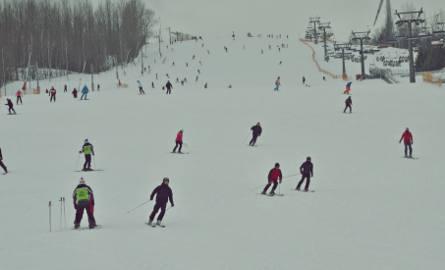 Odwilż na górze Kamieńsk. Sezon narciarski zbliża się powoli do końca?