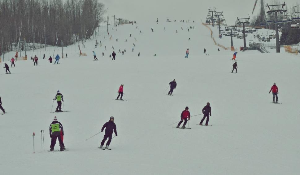 Film do artykułu: Odwilż na górze Kamieńsk. Sezon narciarski zbliża się powoli do końca?