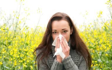 Kulisy zdrowia: Sezon alergiczny rozpoczęty! Jak sobie radzić? Jak się odczulić? [WIDEO]