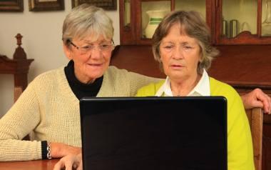 Przymus korzystania z internetu i komputera obejmuje coraz to nowe dziedziny życia.