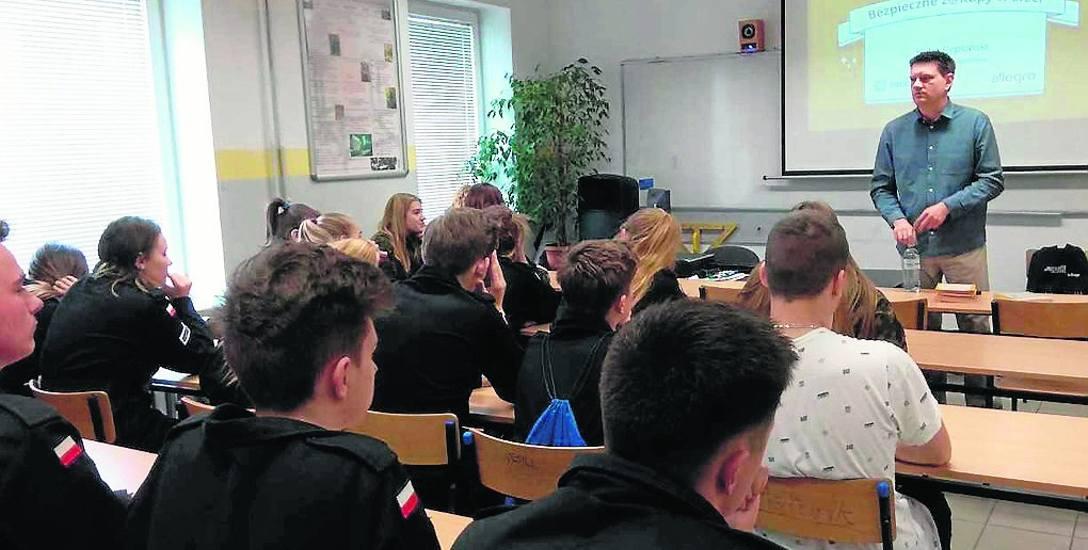 """Program prewencyjny pt. """"Bezpieczne zakupy w sieci"""" został objęty patronatem honorowym Komendanta Głównego Policji"""