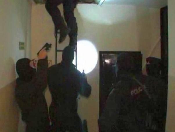 Agencja towarzyska rozbita. Żyli z prostytutek (foto, wideo)
