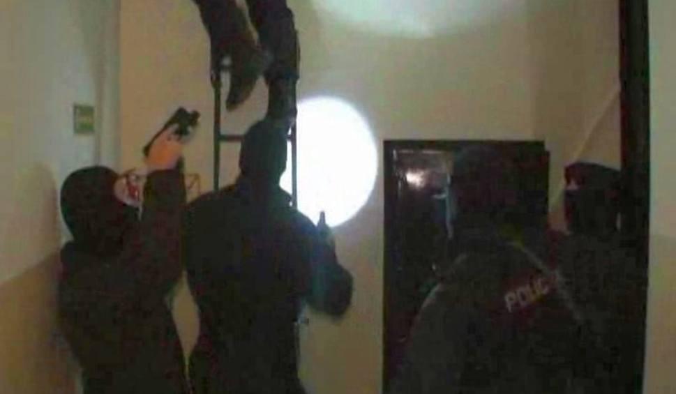 Film do artykułu: Agencja towarzyska rozbita. Gang żył z prostytutek (zdjęcia, wideo)